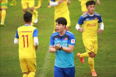 HLV the luc Park Sung Guyn trong chieu 8/3 dua ra bai tap hoan toan khac so voi buoi truoc.