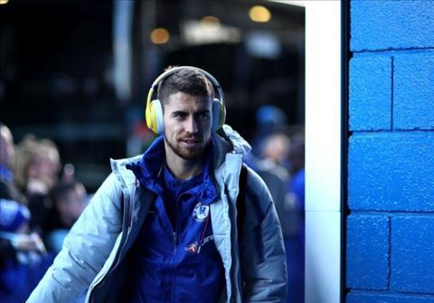 Jorginho phải nhận những sự chỉ trích từ NHM Chelsea hình ảnh