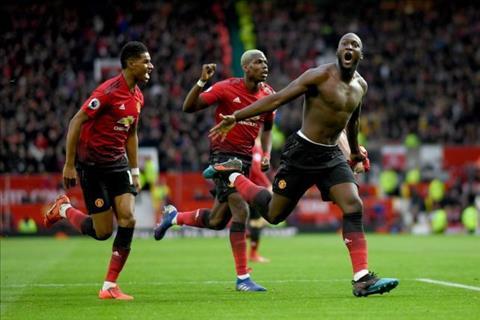 Paul Merson cho rang Arsenal can ngan can Pogba va Lukaku