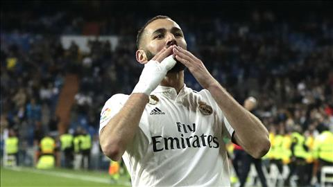 Alvaro Odriozola len tieng khen ngoi Benzema