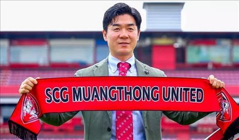 HLV Yoon Jong-Hwan tuyen bo se dua Muang Thong United tro lai vi tri dan dau Thai League
