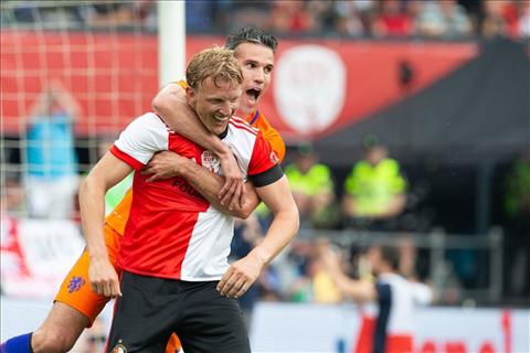 Persie, Dirk Kuyt la nhung ngoi sao tung truong thanh tu Feyenoord