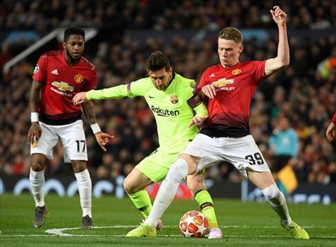 Owen khen ngợi McTominay sau trận thua Barca hình ảnh