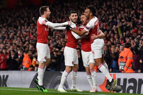 Arsenal danh bai Napoli