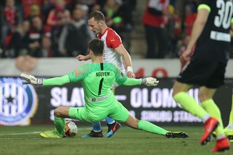 VFF có thể để mất thủ môn Filip Nguyễn vào tay người Séc hình ảnh