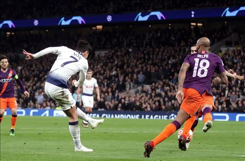 Son Heung-min ghi ban cho Tottenham vs Man City