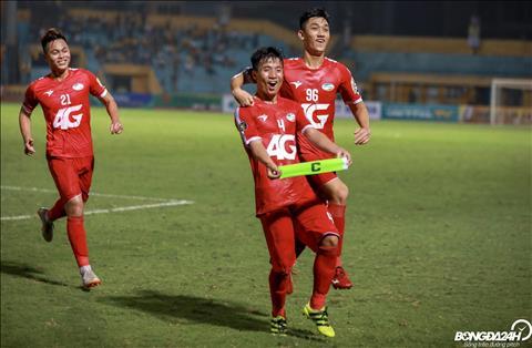 Trung vệ Bùi Tiến Dũng tiết lộ về khả năng ghi bàn tại V-League  hình ảnh