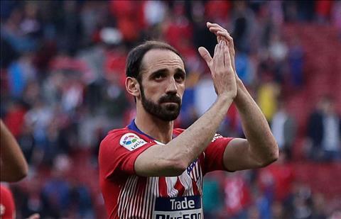 Juanfran hoãn gia hạn hợp đồng với Atletico Madrid hình ảnh
