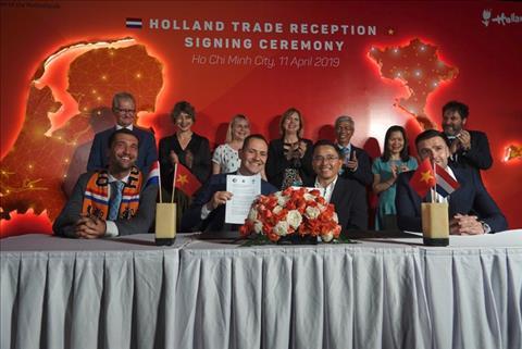 Feyenoord chính thức thông báo về việc hợp tác với HAGL hình ảnh