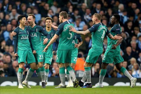 Manchester City - Tottenham Hotspurs: Con dia chan o Etihad