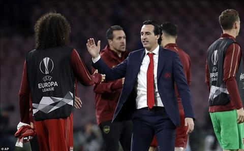 Emery khoi dau tot hon Wenger sau 50 tran