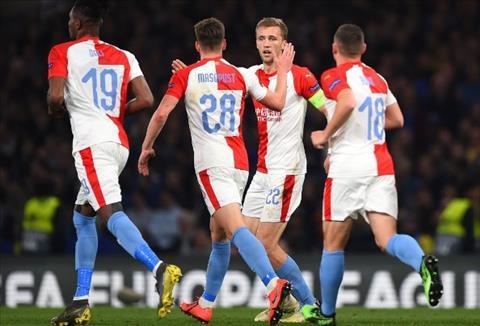 Slavia Praha ghi 3 ban truoc Chelsea