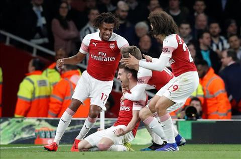 Arsenal thang Newcastle 2-0