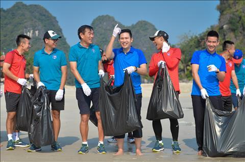 CLB Than Quang Ninh don rac 3