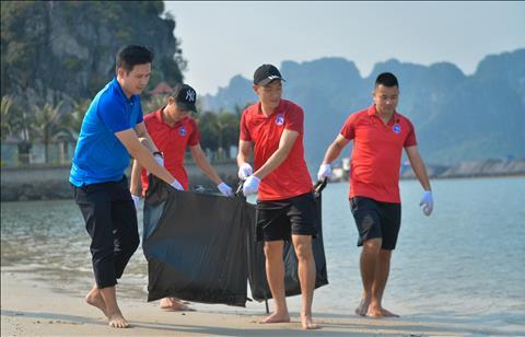 CLB Than Quang Ninh don rac 5