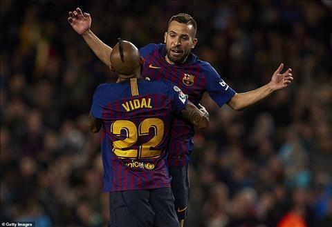 Barca 2-1 Sociedad Màn tỏa sáng hiếm hoi của các hậu vệ hình ảnh 2