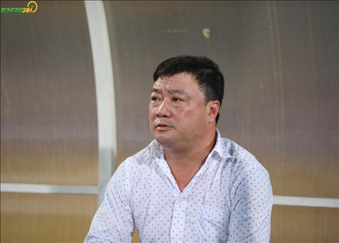 CĐV Hải Phòng đốt pháo sáng, HLV Trương Việt Hoàng không nói gì hình ảnh