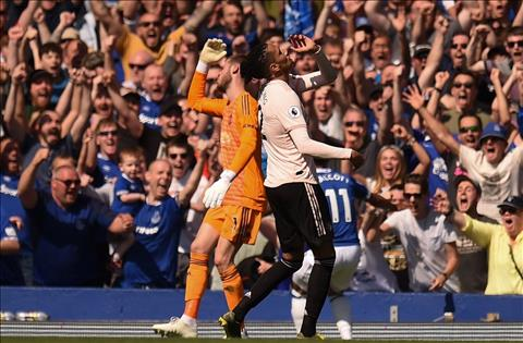 Ashley Young khẳng định MU sẽ sẵn sàng cho trận derby Manchester hình ảnh