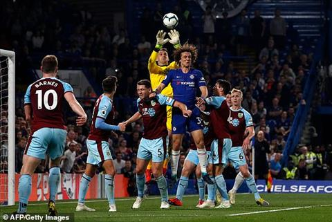 Sean Dyche đáp trả chỉ trích từ David Luiz của Chelsea hình ảnh