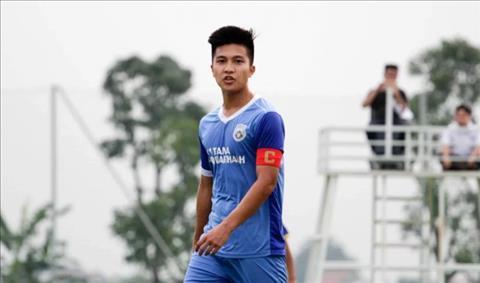 Sao Việt kiều tiết lộ lý do trở về Việt Nam chơi bóng hình ảnh