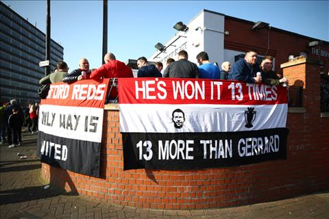 CDV Man Utd mong Man City thang de can buoc Liverpool len ngoi vo dich.