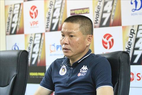 HLV Chu Dinh Nghiem chia se dieu kien de thu mon Bui Tien Dung ra san trong mau ao Ha Noi FC.