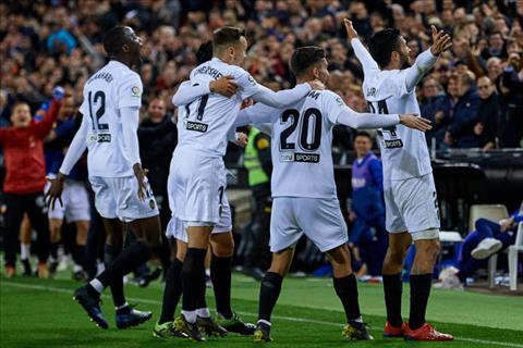 Valencia to ra hoan toan tren co truoc Real hung manh