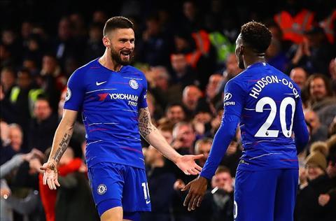 Chelsea ha Brighton Giroud va Callum Hudson-Odoi
