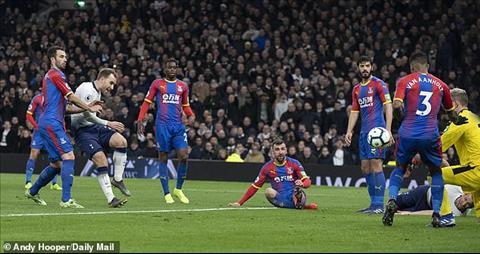 Crystal Palace tiep tuc choi bac nhuoc truoc Tottenham