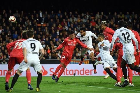 Real thua Valencia Garay ghi ban