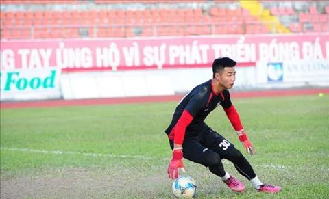 Tỏa sáng trước HAGL thủ môn Nguyễn Văn Toản muốn được như Văn Lâm hình ảnh