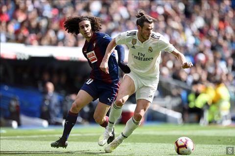 Real thắng nhọc Eibar Kỷ niệm hỗn độn của Zidane hình ảnh 2