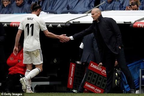 HLV Zidane chia se ve Bale