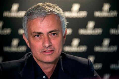HLV Mourinho chỉ trích MU sau trận thua Barca hình ảnh