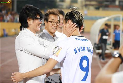 Trong thoi gian toi, bac si nguoi Han Quoc se lam viec tai Viet Nam khi ho tro ve mat y te cho HLV Park Hang Seo.