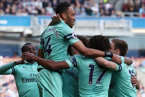 Arsenal thang Burnley Aubameyang 3-1
