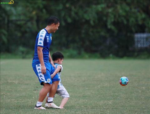 Dang chu y la tien ve Thanh Luong dua con trai toi san tap.