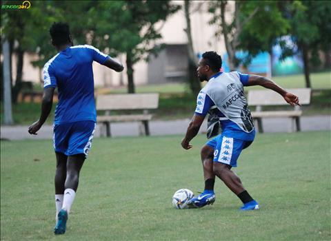ẢNH Hà Nội FC luyện công dưới mưa trước trận gặp Tampines Rovers hình ảnh 2