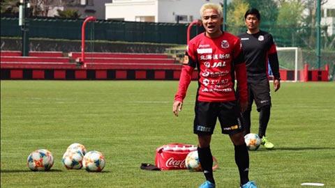 Messi Thái trở lại tập luyện, quyết đấu ĐT Việt Nam  hình ảnh