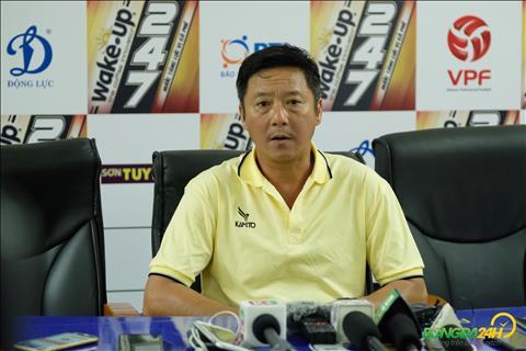 HLV Huynh Duc chia se sau tran thua Ha Noi