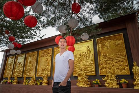 Filip Nguyen cung trai long ve gia dinh voi bo goc Viet Nam.