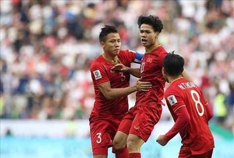 Tuyển Việt Nam bất ngờ đổi lịch sang Thái Lan dự King's Cup 2019 hình ảnh
