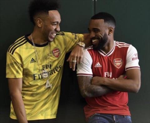 Trình làng áo đấu Adidas của Arsenal cho mùa giải 2019-20 hình ảnh