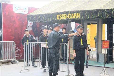 Day la bien phap tang cuong sau su co phao sang trong tran dau giua Ha Noi vs Hai Phong truoc do.