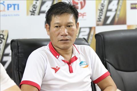 HLV Nguyen Hai Bien tiet lo tin khong vui khi Hoang Duc chan thuong nang.