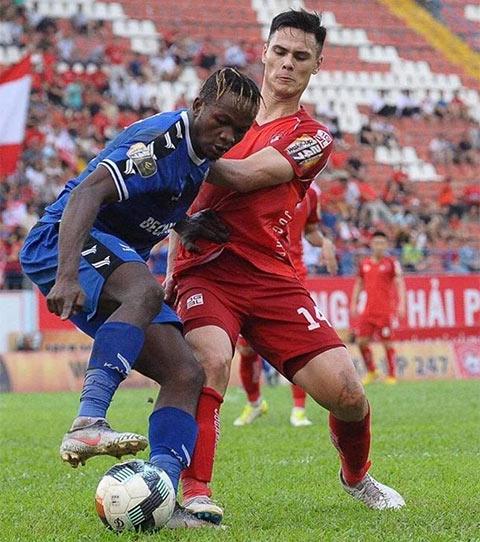 HLV Park kiểm tra hồ sơ cầu thủ Việt kiều Adriano Schmidt hình ảnh