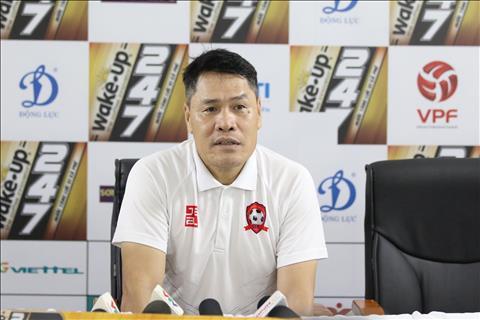 HLV thu mon Nguyen Duc Canh tiet lo ly do Van Toan choi an tuong trong mau ao Hai Phong