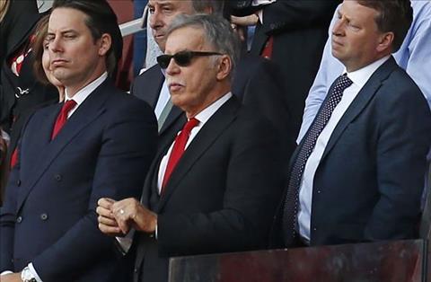 cac lanh dao Arsenal vs Stan Kroenke