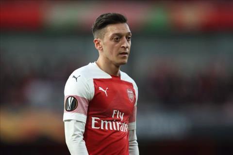 Ian Wright khuyên Arsenal không bán Mesut Ozil hình ảnh