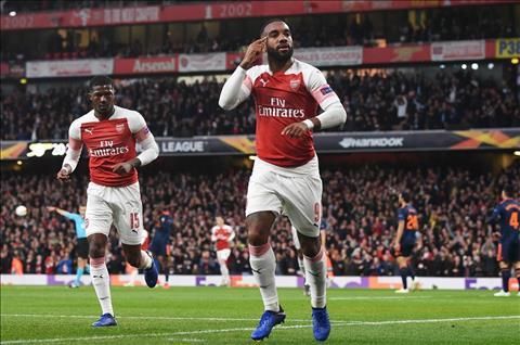 Lacazette lap cu dup cho Arsenal truoc Valencia